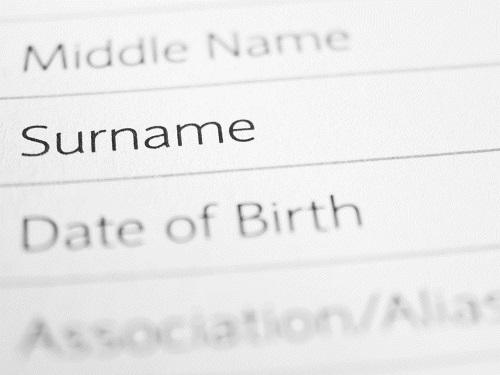Cass. Civ. sentenza n. 21349 del 13 agosto 2019: sull'attribuzione del cognome al figlio nato fuori dal matrimonio, ex art. 262 c.c.
