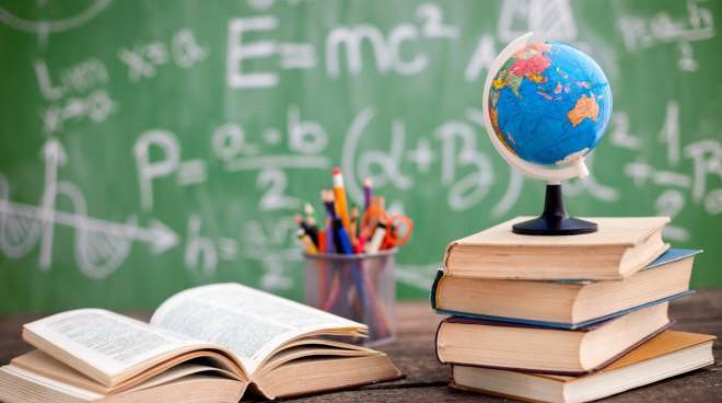 Cass. civ., sent. n. 21553 del 27 luglio 2021: nell'interesse dei minori, va data preferenza alla continuità scolastica nella scuola privata già frequentata